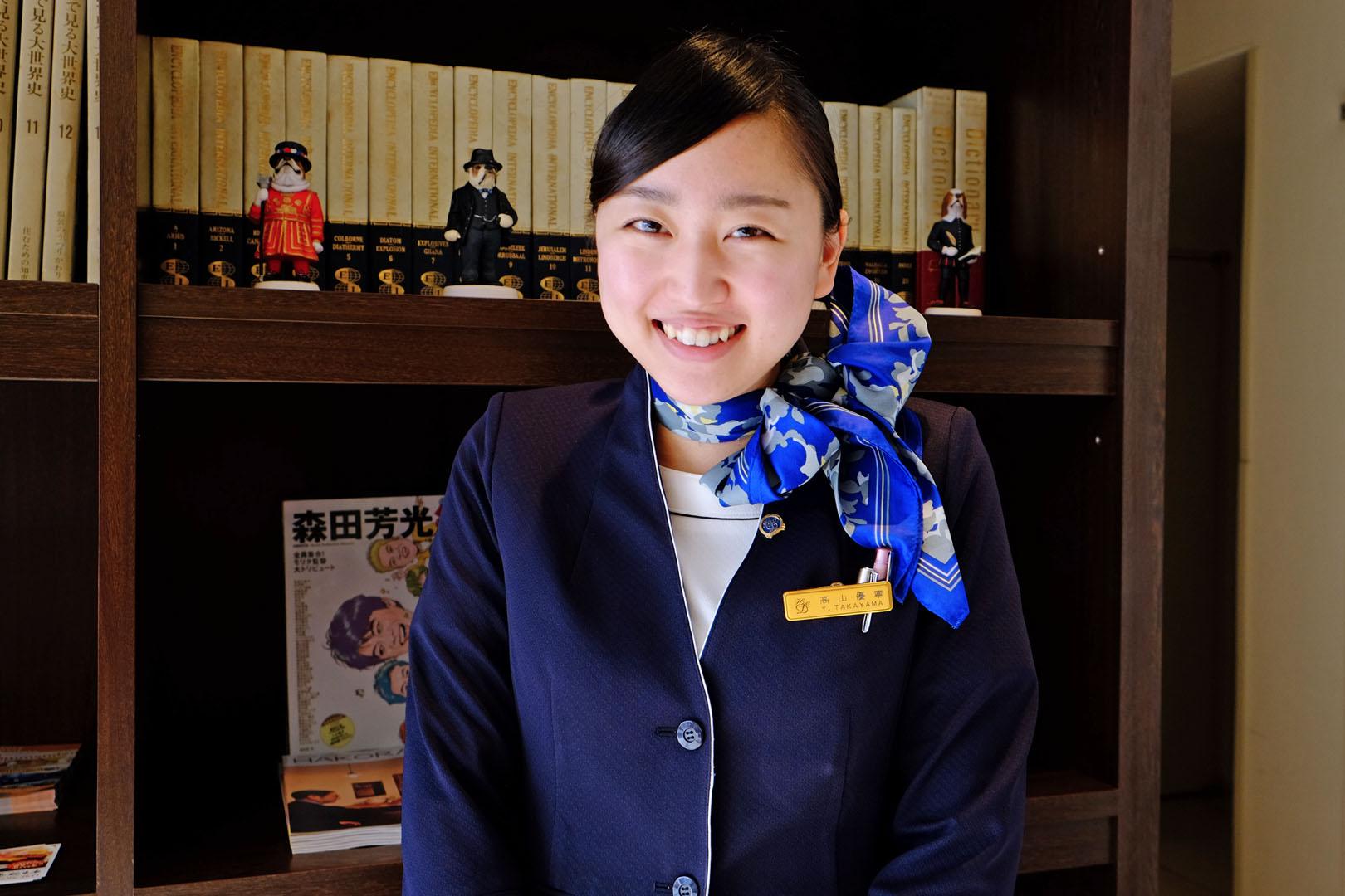 フロント 高山優寧(2014年入社)