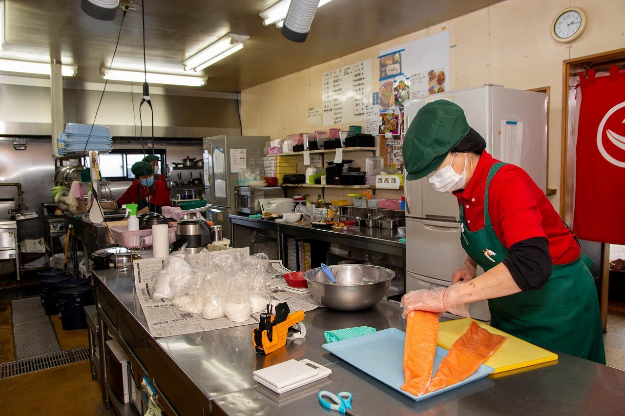 注文を受けてから店内調理する手作りの弁当を提供しています