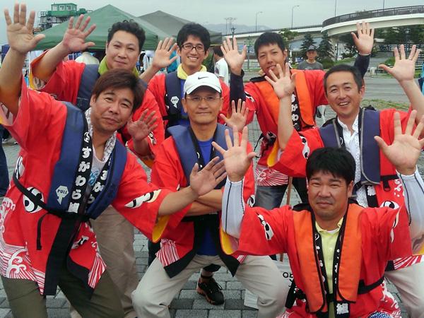 毎年夏、函館港まつりの一環として行われる「函館ペリーボート競漕」に参加しています。