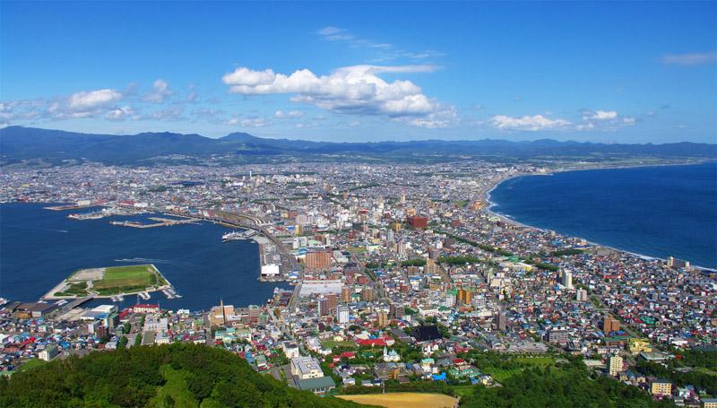 函館山から見渡せるこの街が、私たちの営業エリアです
