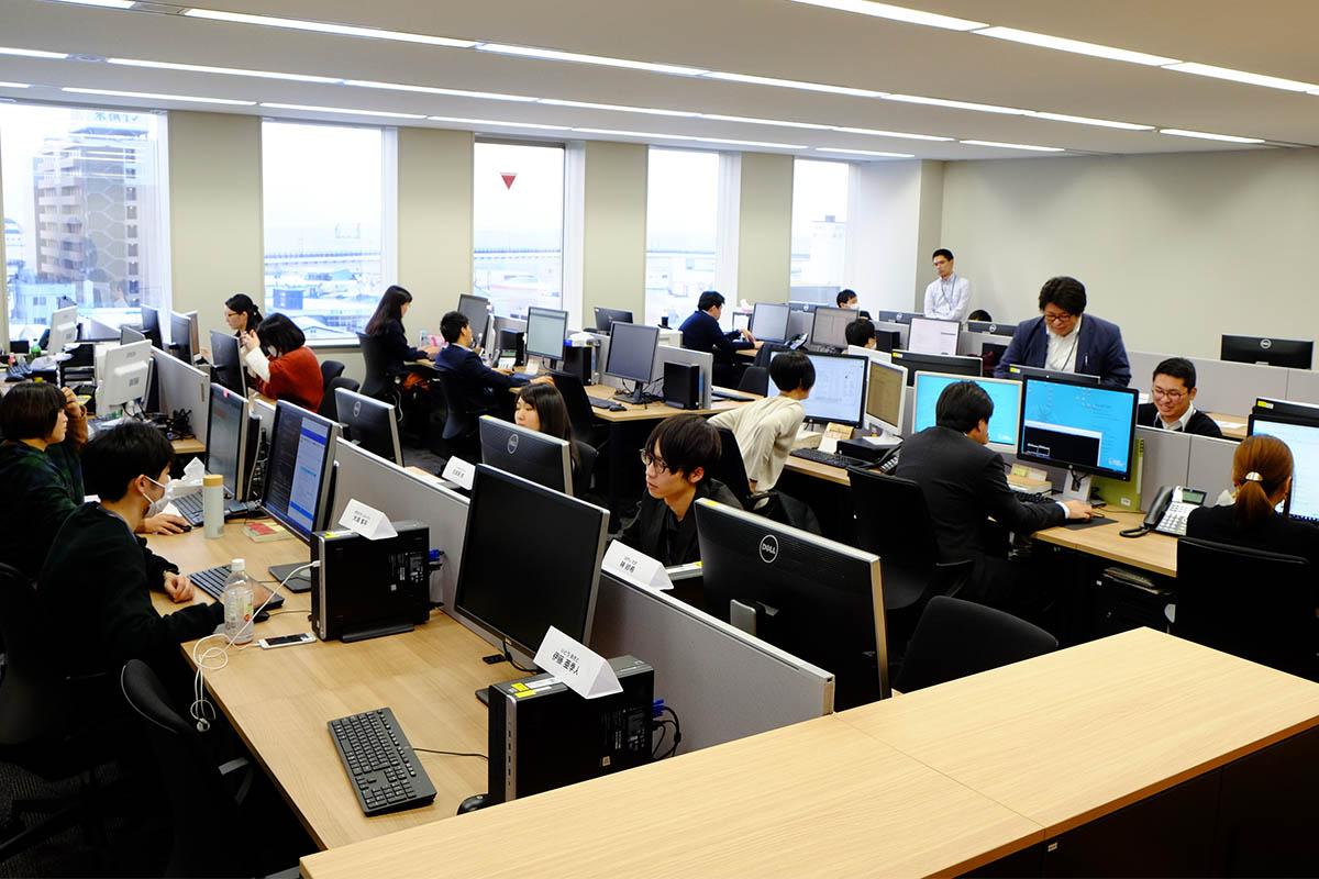 JR函館駅から徒歩6分のオフィスビル6階にある函館ラボ
