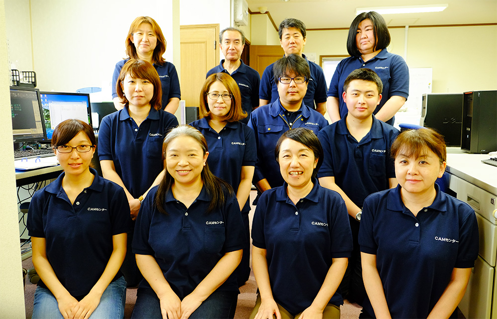 代表取締役 野呂雅代(前列右から2人目)とスタッフ