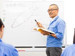 当社は社員育成に力を入れ、様々な教育制度、研修を用意しています。新卒3年以上の定着率は90%です。